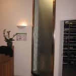 Wasserwand Glas in Wand eingelassen