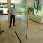 Wasserwand Glas ohne Rahmen in privat Wohnung