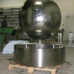 Riesige Edelstahlkugel mit ca. 120cm Durchmesser