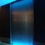 Wasserwand Glas im Swimmingpool